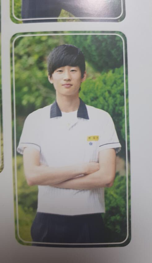 """""""Produce X 101"""" Trainee Han SeungWoo's Yearbook Picture Revealed"""