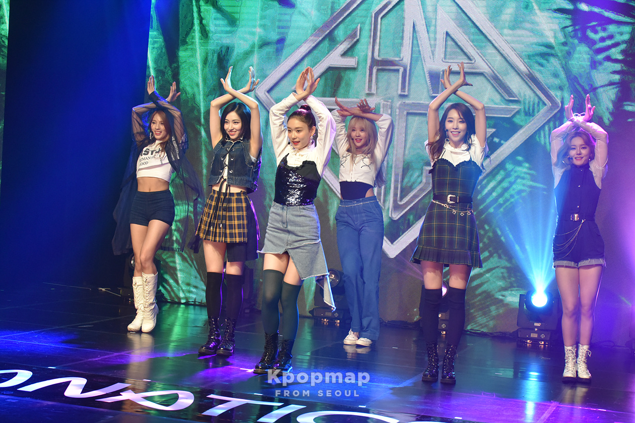 """Exclusive Review : Sunday Funday Better Than a Monday, FANATICS Debut Mini Album """"THE SIX"""" Media Showcase"""