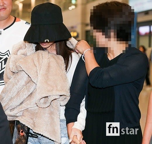 TWICE Mina Looking Seriously Downcast & Sick Recently At Airport While Fans Are Highly Concerned For Her Wellbeing