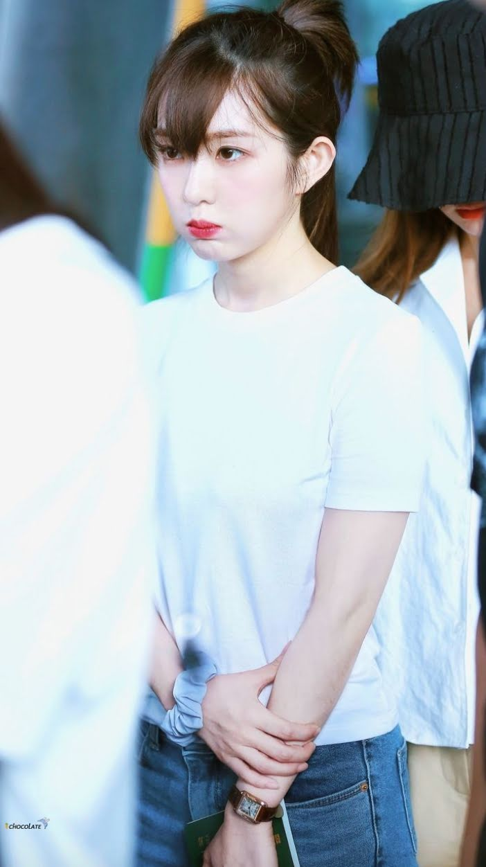 Red Velvet Irene S Recent Airport Fashion Look Is Every Man S Dream Come True Kpopmap Kpop Kdrama And Trend Stories Coverage