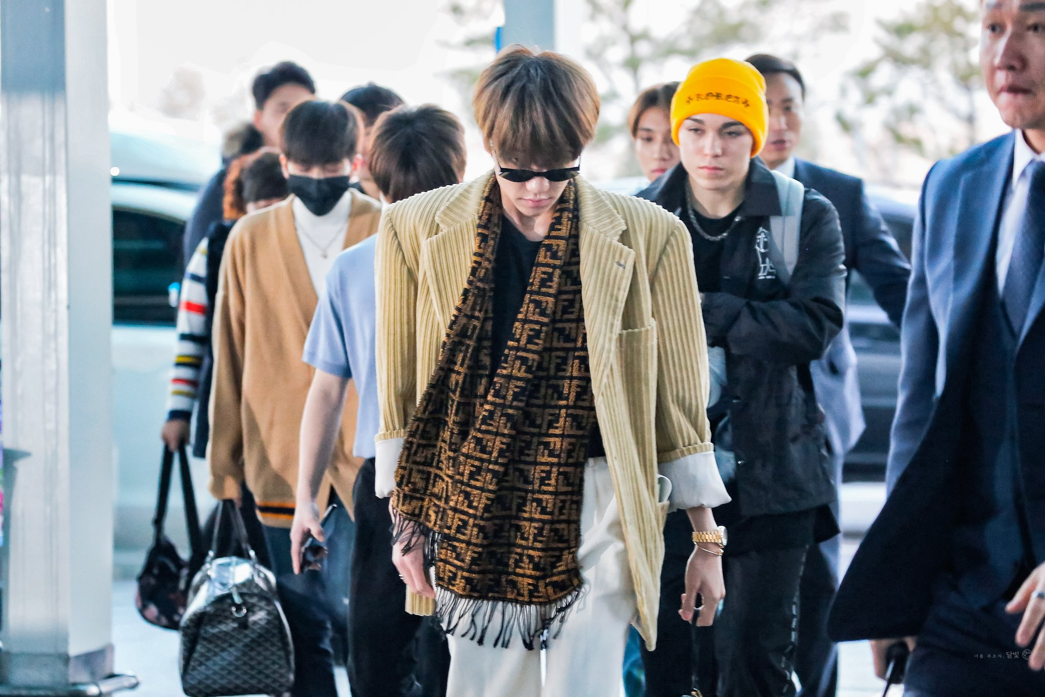 SEVENTEEN's The8 Caught Eyes With Cool Airport Fashion