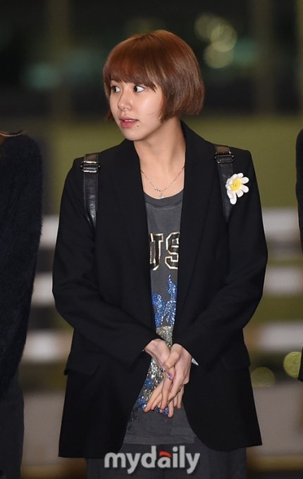 TWICE's ChaeYoung Cut & Dyed Her Hair Back To Coconut Style