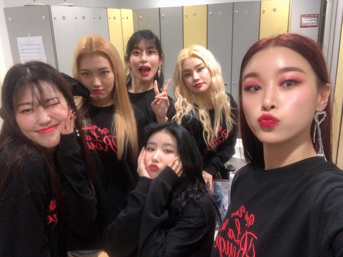 Red Velvet's Backup Dancers Actually Look Like A Group Of Their Own