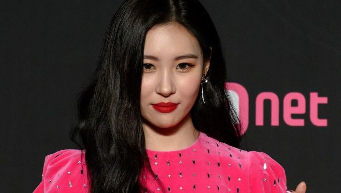 Here's What SunMi Said After Being Accused Of Getting A Boob Job