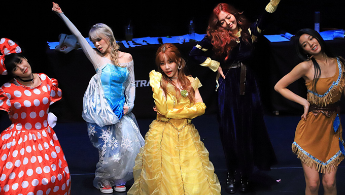 AOA Transforms Into Disney Characters During Last Fansign Event