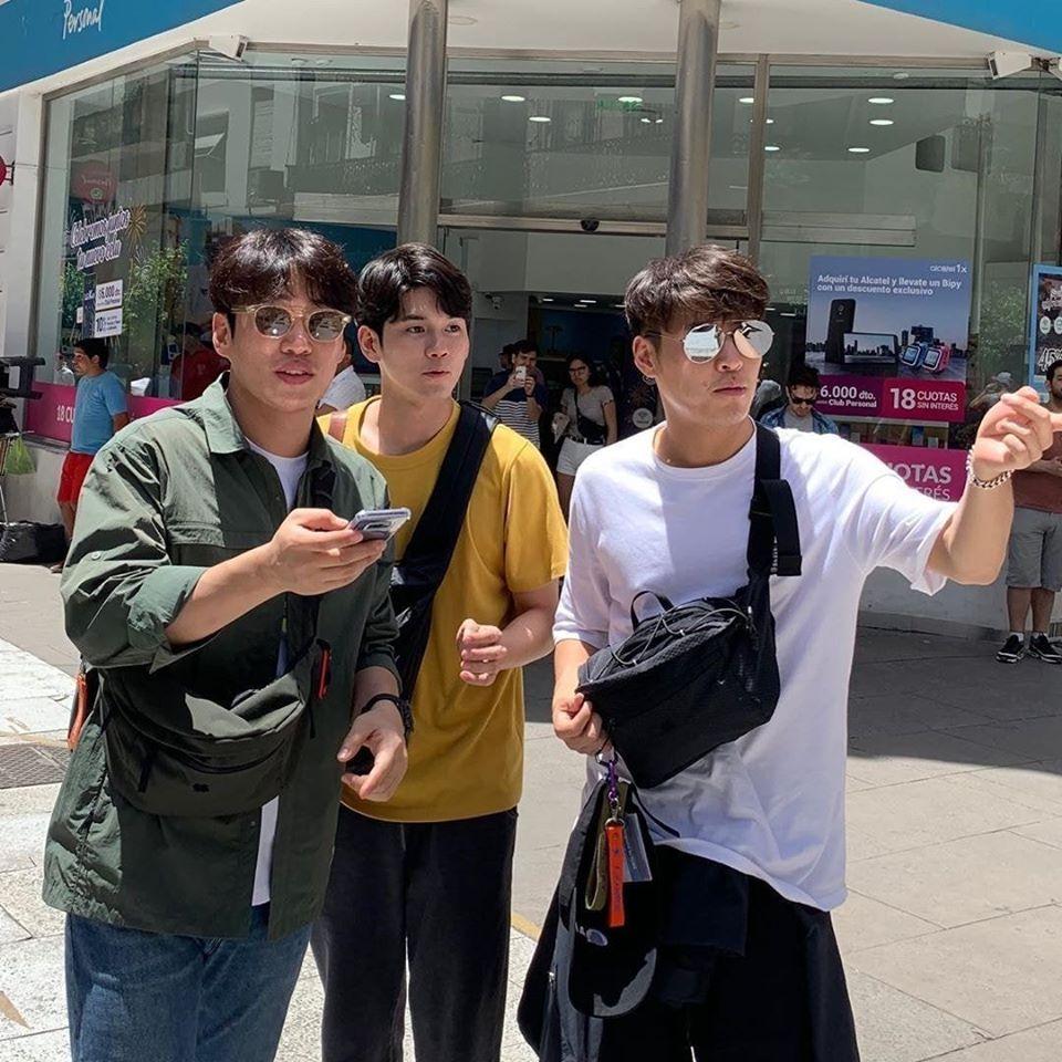 "Ong SeongWu, Kang HaNeul, & Ahn JaeHong Spotted In Argentina For ""Traveler 2"""