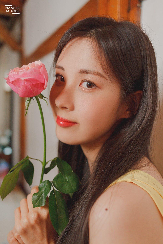 Behind-the-Photos of SeoHyun 2020 Season's Greetings Photo ...