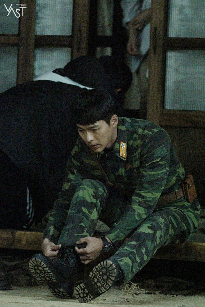 """Hyun Bin, """"Crash Landing on You"""" Drama Set Behind-the"""