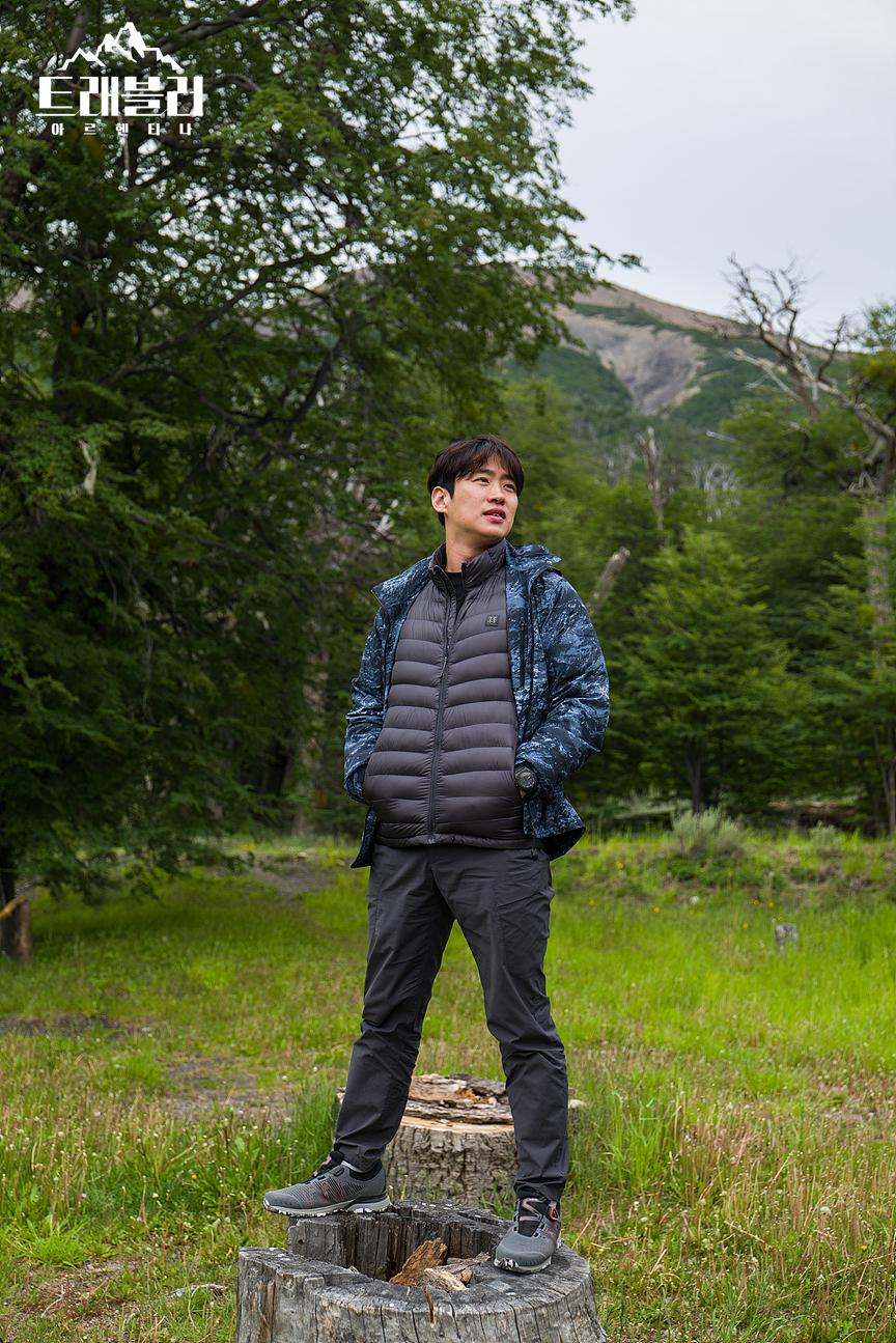 """Traveler 2"" Releases Fun Posters With Ong SeongWu, Kang HaNeul, & Ahn JaeHong In Argentina"