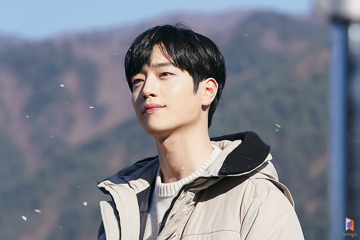 "Seo Kang Joon is handsome in ""I'll Find You on a Beautiful Day"" at behind the scene"