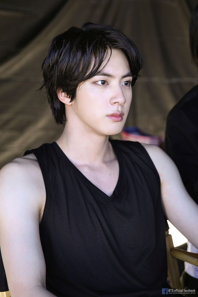 Two Pictures Of BTS's Jin Which Caused ARMY To Flip Because Of His Visuals