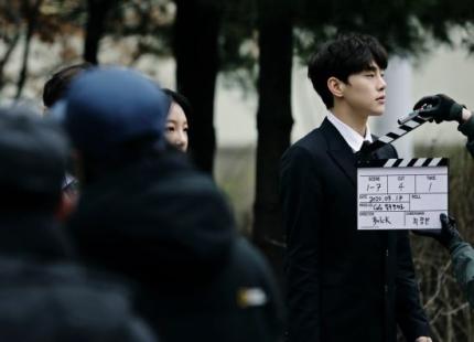 """""""Produce X 101"""" & JxR's Baek Jin Joins Kwon HyunBin In Web Drama """"Café Kilimanjaro"""""""