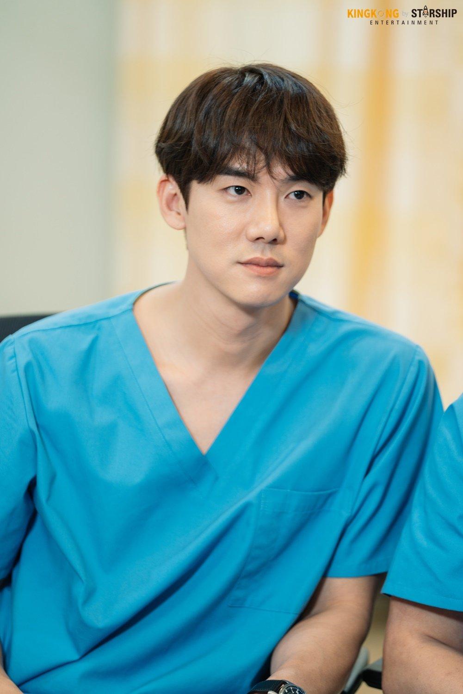 Yoo Yeonseok Hospital Playlist Drama Set Behind The Scene
