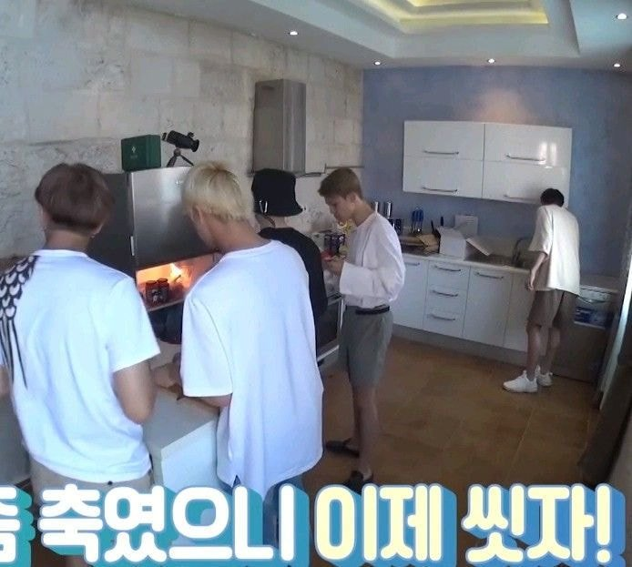 Netizens Point Out BTS's J-Hope Clean And Tidy Personality