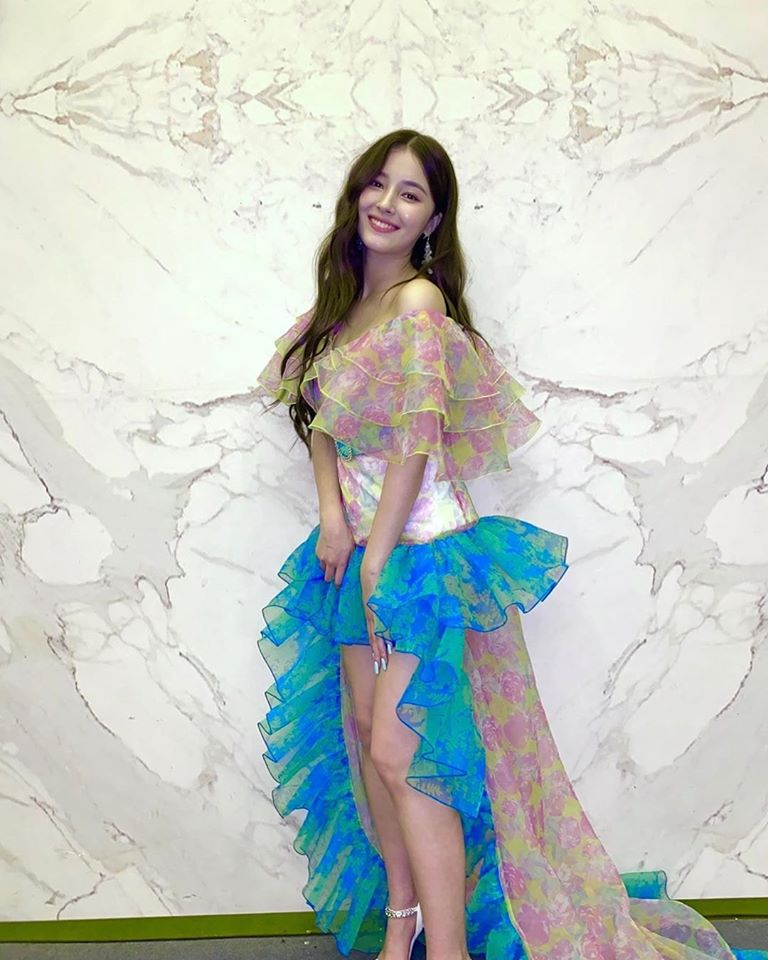 Check Out The Dress Worn By Park MinYoung, BLACKPINK's Rose And MOMOLAND's Nancy