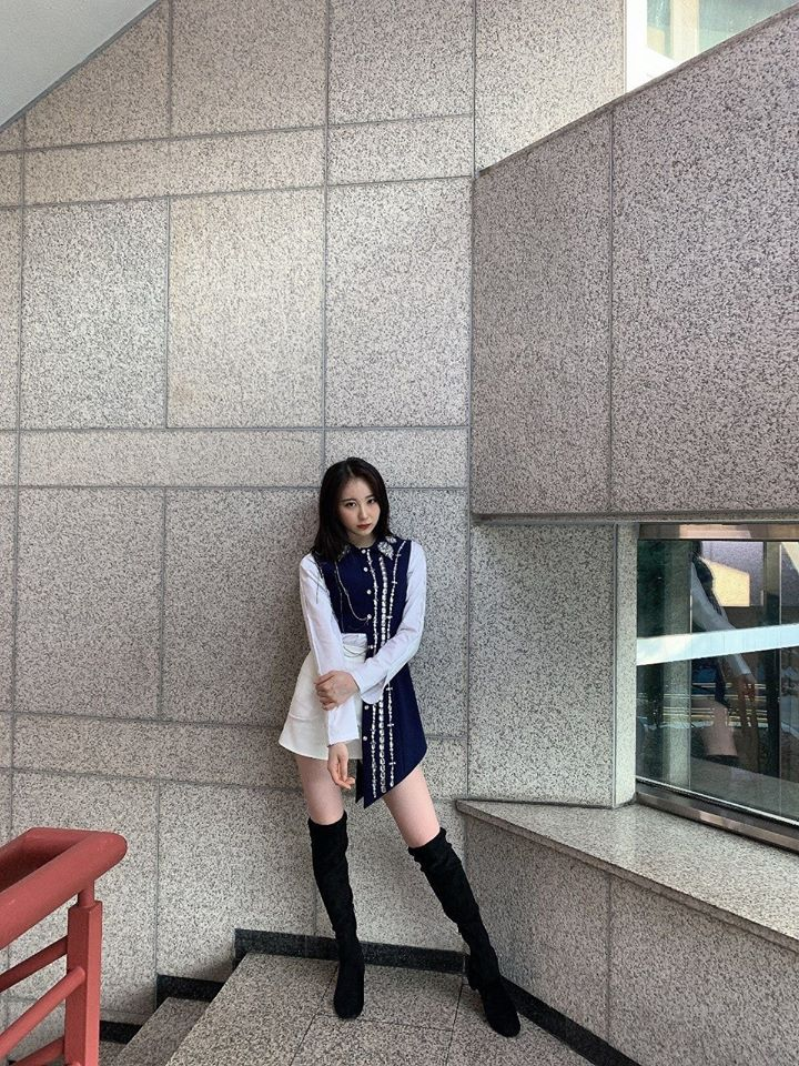 Fans Are Aching After Seeing How IZ*ONE's ChaeYeon Had Lost 6kg