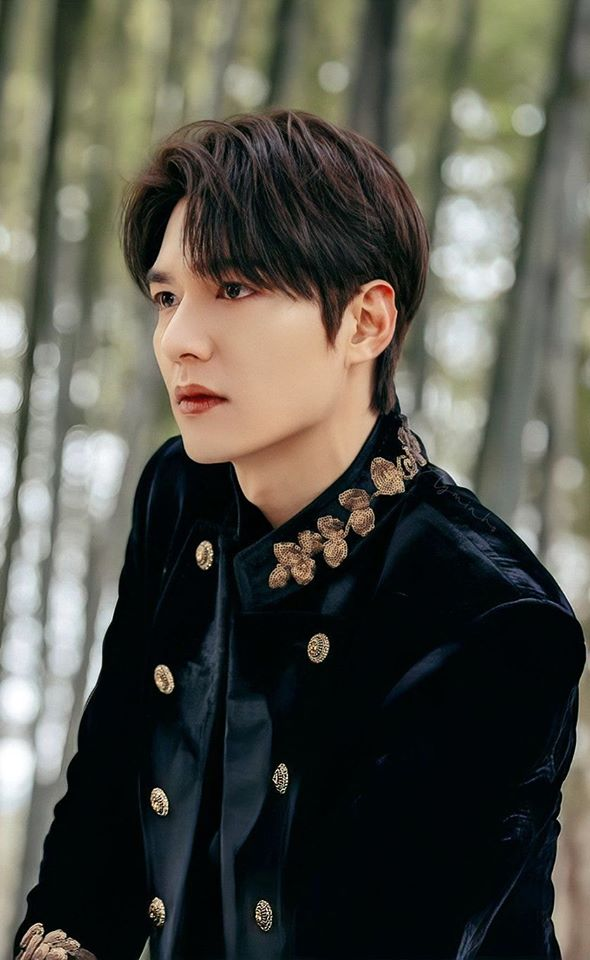 Lee MinHo's Stunning Imperial Visual While Riding Horse ...