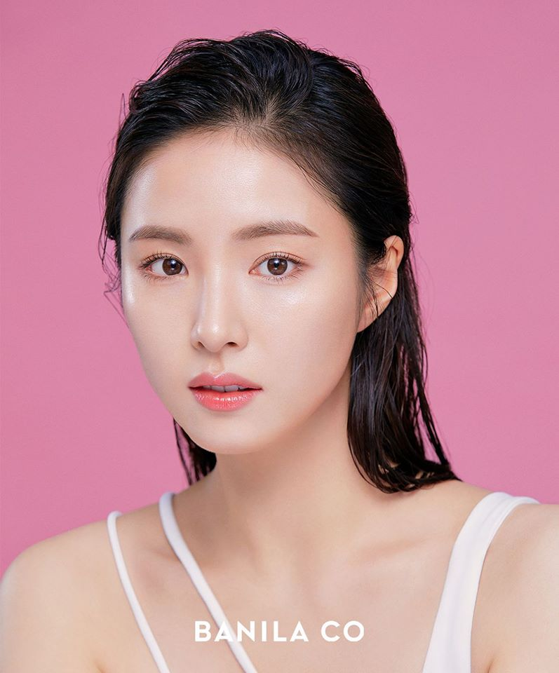 3 Models Of The Cosmetic Brand 'BANILA CO' & Their Beautiful Pictures