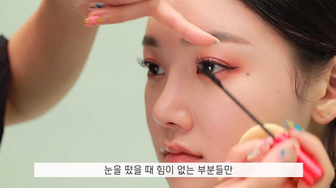 IZ*ONE Makeup Artist Reveals How To Get Makeup Styled Like Jang WonYoung