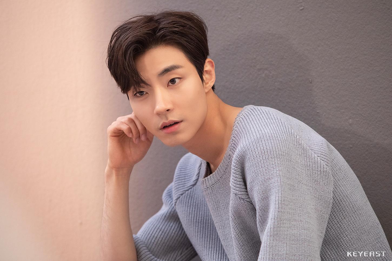 find actor hwang inyeop talks role han seojun true beauty kpopmap