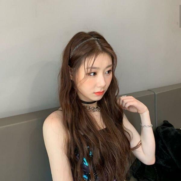 Hairband Styling Inspired By Female K-Pop Idols