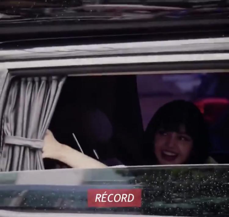BLACKPINK Rosé Cried On Her Way Back After Broadcast Performance