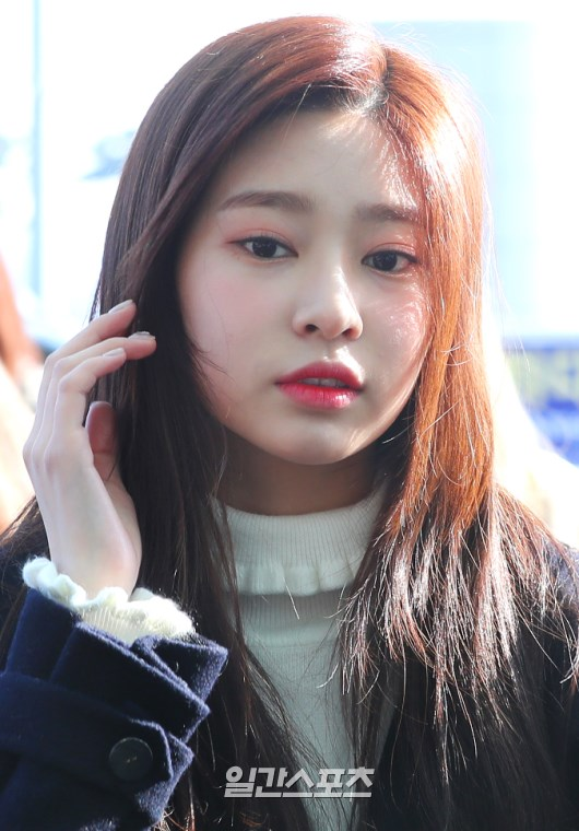 The IZ*ONE Member Everyone Is Going Crazy For Looking Great Without Camera Filter