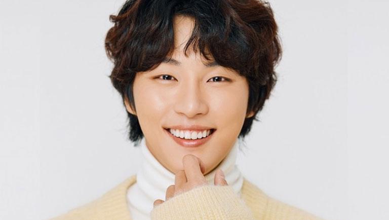Ideal type shi yoon yoon Yoon shi