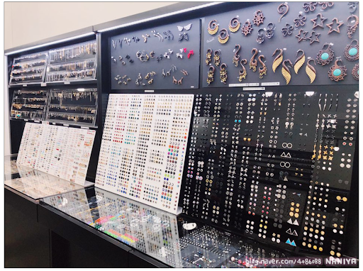 The Piercing Shop K-Pop Idols Frequently Drop By