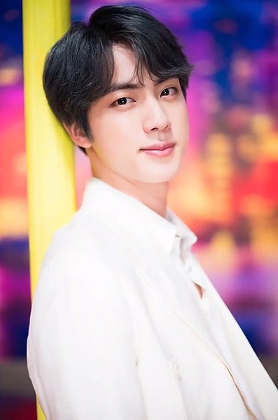 397px-Jin_for_Dispatch__Boy_With_Luv__MV_behind_the_scene_shooting,_15_March_2019_06.jpg