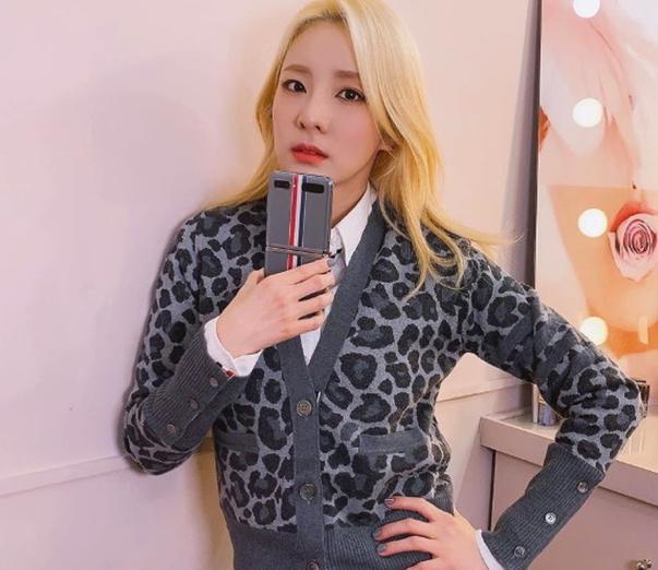 Модные кардиганы от айдолов K-Pop, на которые стоит обратить внимание в зимнем гардеробе 2020