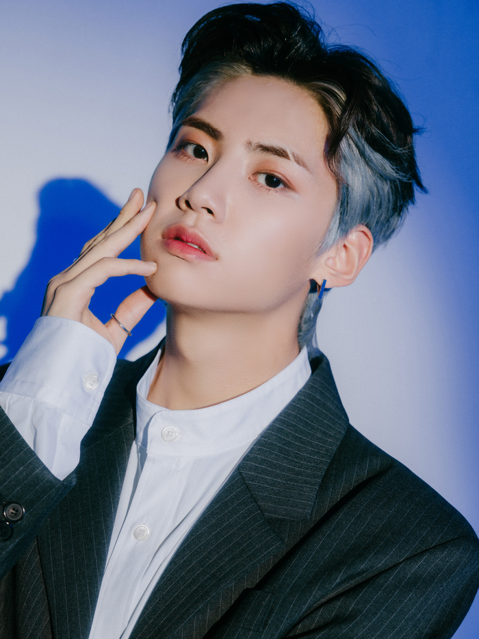 """Lee JinHyuk Shares Details About His Recent Album """"SCENE26"""", Acting and More 